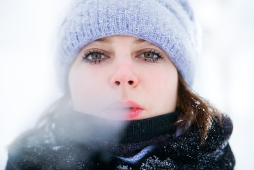 see cold breath in air