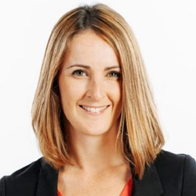 Kelly Straughan, Headshot