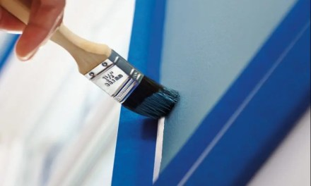 How do I apply painter's tape in corners?