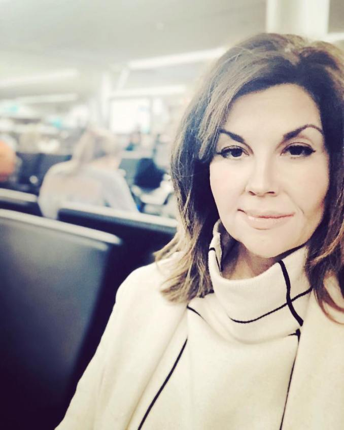 Jen Tringale Airport Comes To A Standstill As Passengers Hear Unmistakable Sound
