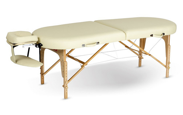 portable massage table, 5 Amazing Portable Massage Table – For those on the go!