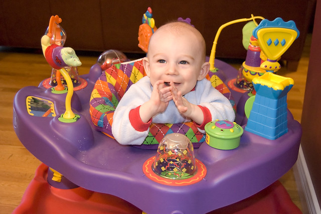 Baby Exersaucer, Best Baby Exersaucer Reviews and Buyers Guide