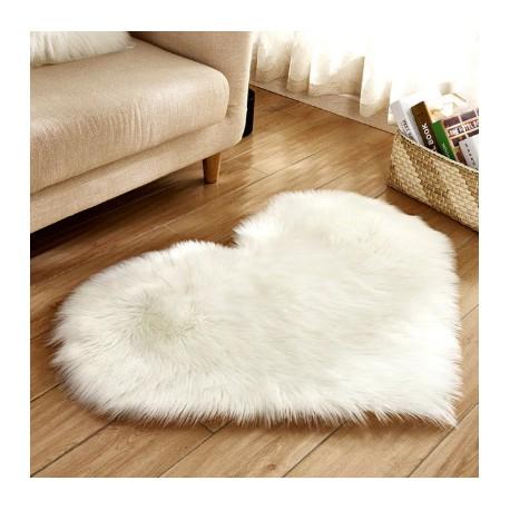 tapis fourrure en coeur