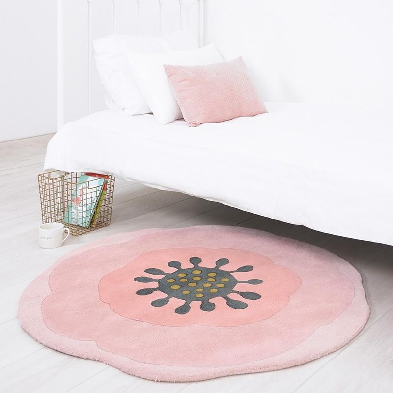 tapis fleur anemone rose rond pour chambre bebe fille par lilipinso