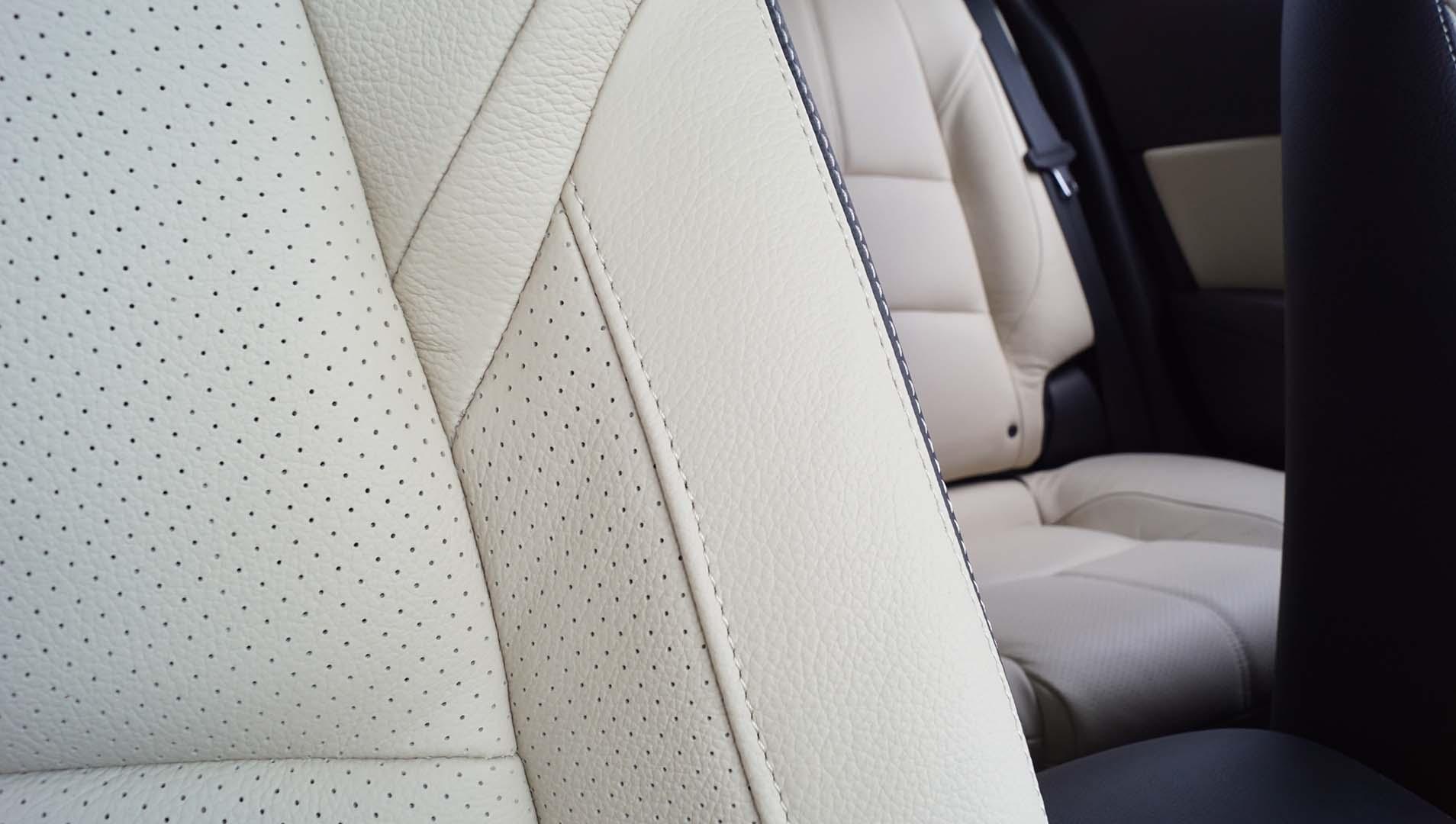 Tapicería de cuero asiento coche Mazda 3