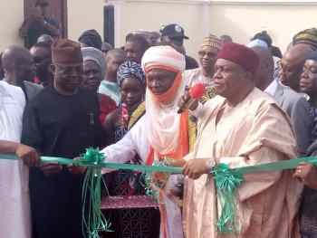 Gov. Ishaku commissioning the newly built Magistrate Court in Mararaba - Donga.