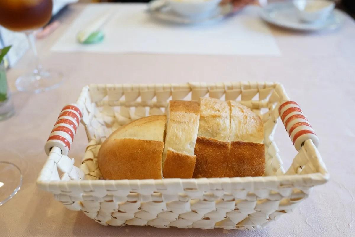 欧風懐石 勝 - お箸で食べる創作フレンチメニュー写真 パン