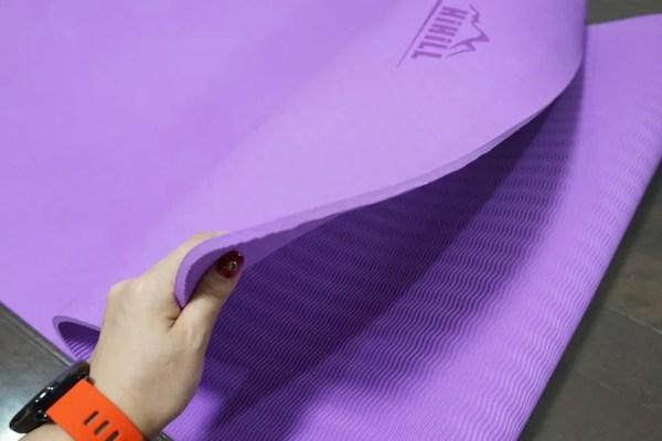 HiHiLL ヨガマットレビュー TPE素材で6㎜という厚みが程よく使いやすい!