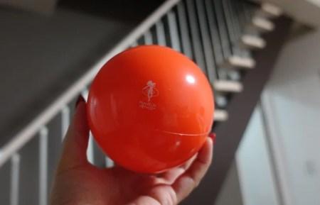 便秘や肩こりを改善しながら全身を手軽に鍛えられるOPTP Franklin Smoothのオレンジボール!
