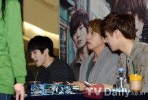 reblue fan signing4