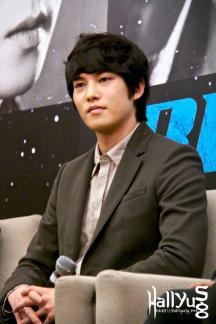 cnbluemoon sg presscon75