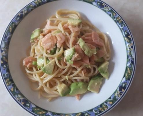 Spaghetti con salmone e avocado di Sonia