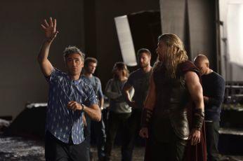 Thor: Ragnarok - (L-R) Director Taika Waititi and Chris Hemsworth. Photo by: Jasin Boland. ©2016 Marvel Studios.