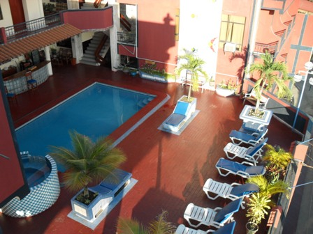 hotel-nilas-tarapoto-swimming-pool