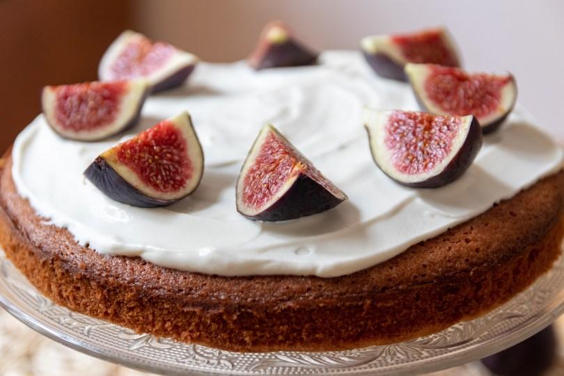 A Simple Fig Sponge Cake