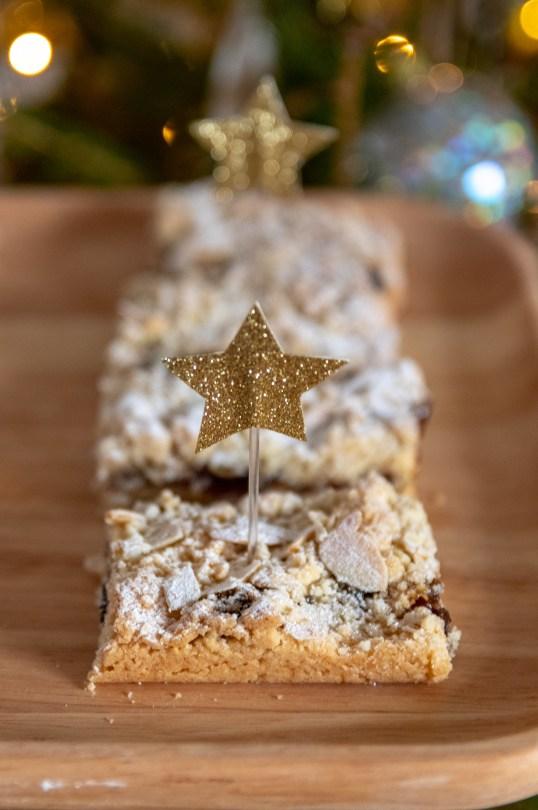 Christmas Mincemeat Crumble Bars