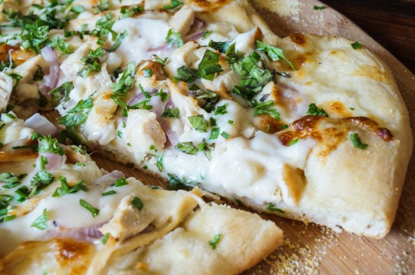 white pizza with chicken and herbs (5 of 5)