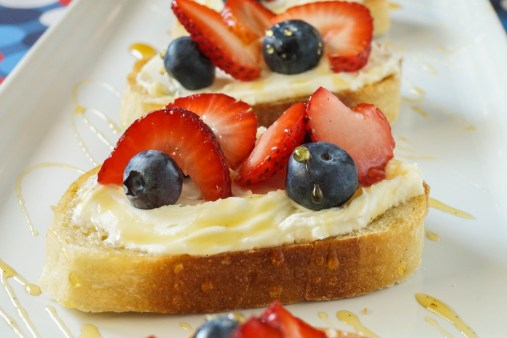 berry crostini (3 of 3)
