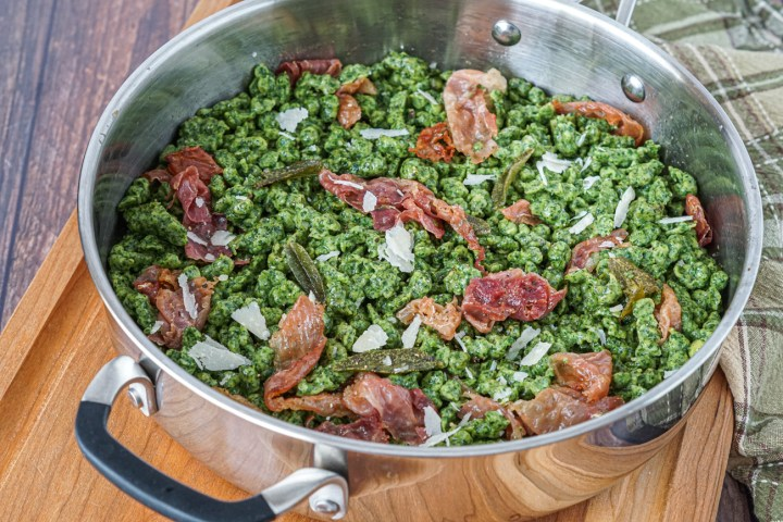 Spinach Spätzli with Sage and Speck in a pan