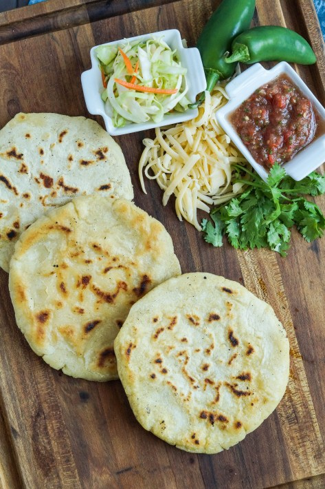 pupusas-de-queso-salvadoran-cheese-stuffed-tortillas-5-of-7