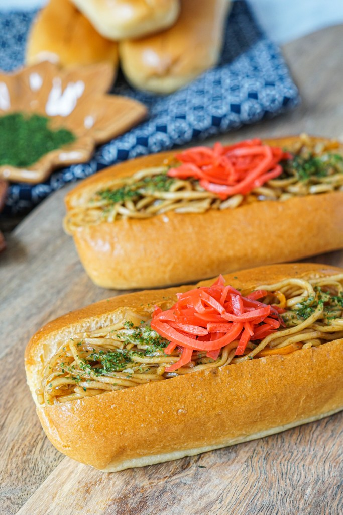 Yakisoba Pan topped with seaweed and ginger
