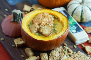 Pumpkin-Cheese-Soup-Garlic-Basil-Crisp