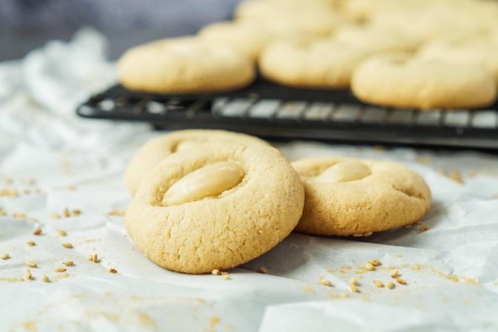 Tahina Cookies with sesame seeds