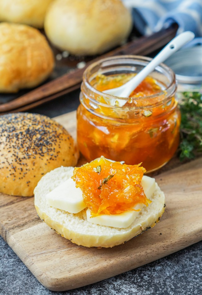 Apelsinmarmelad med Timjan (Orange Marmalade with Thyme)