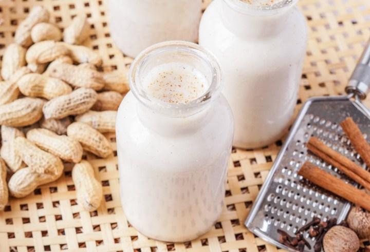 Chocolate de Maní (Dominican Peanut Milk)