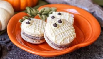 Macarons with Vanilla Cream Cheese Filling - Tara's