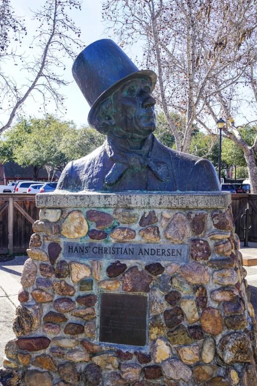Statue of Hans Christian Andersen at Solvang Park