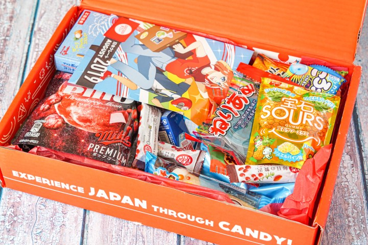Japan Crate Box with snacks