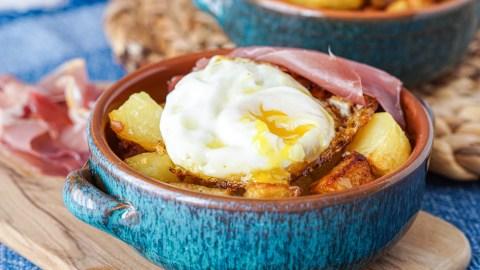 Ous Estrellats (Fried Eggs and Potatoes) and Barcelona Cult Recipes Cookbook Review
