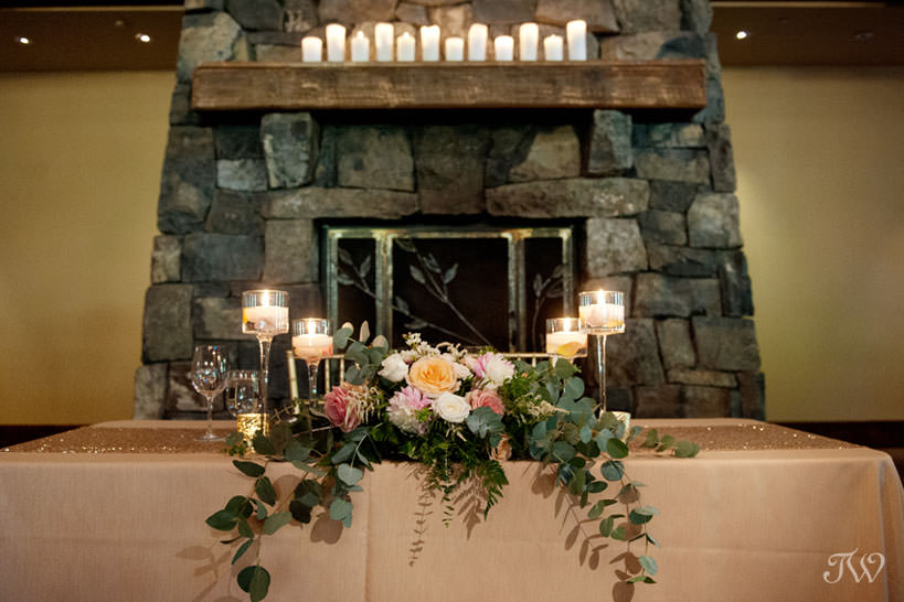 Sweetheart table at Silvertip mountain wedding locations captured by Tara Whittaker Photography