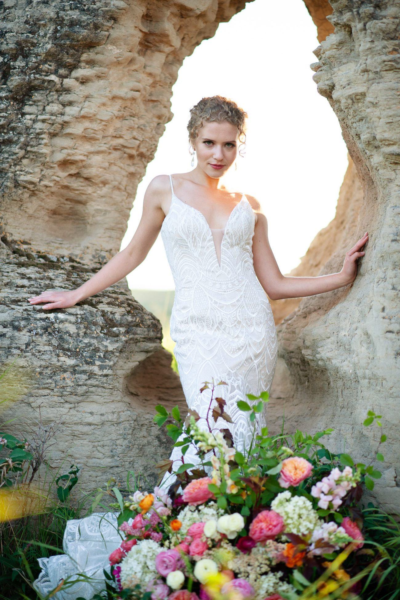 fall bride wearing a lacy gown by Lis Simon captured by Tara Whittaker Photography