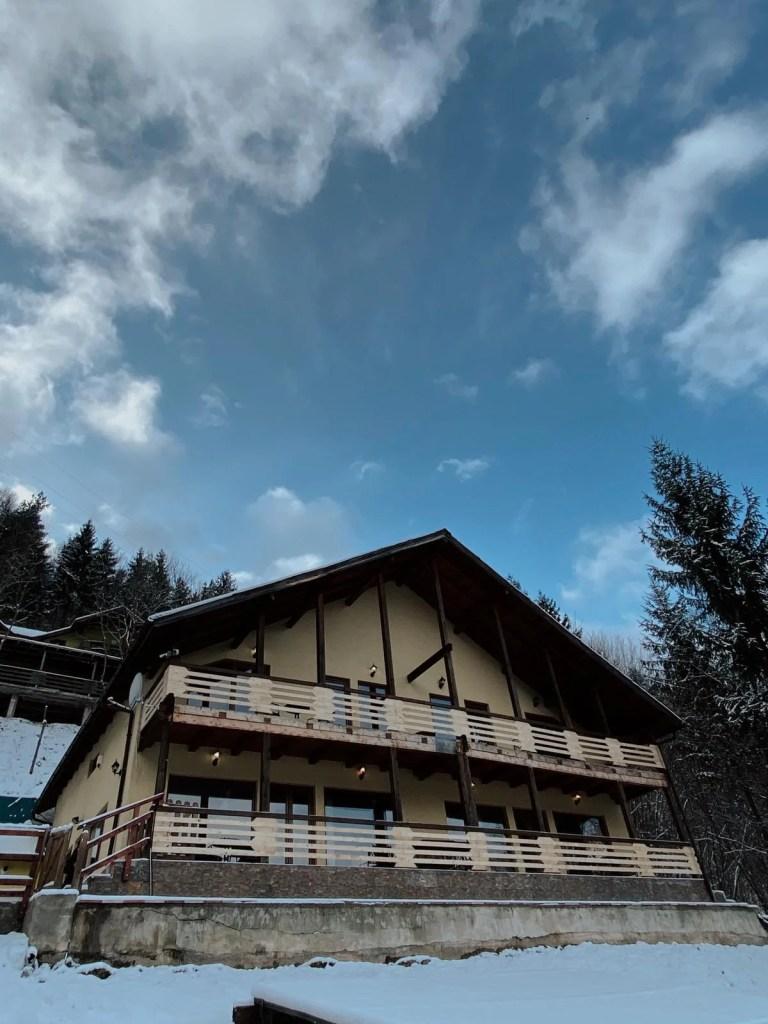 Lake House 51