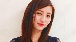 堀田茜のすっぴん水着姿パンチラ画像