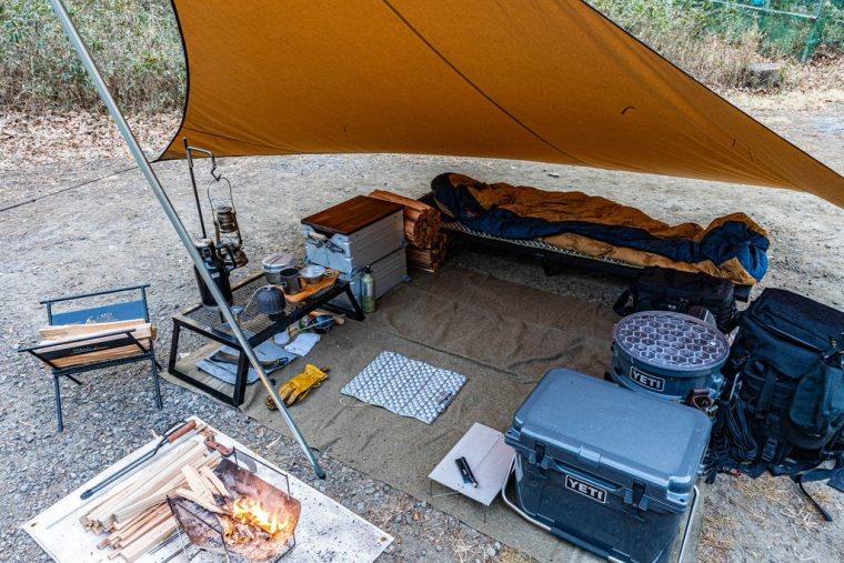 ロスコウールブランケットでお座敷スタイルのキャンプ