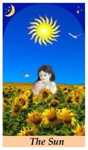 THE SUN TAROT CARD - how Tarot can improve your love life!