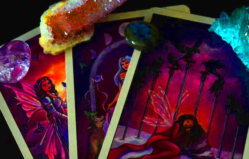 Miracles On Demand. Want this to be the year you finally change your life? Ever wished for your own personal Tarot Fairy you could call on a whim whenever you had a problem? #tarot #miracles #tarotondemand