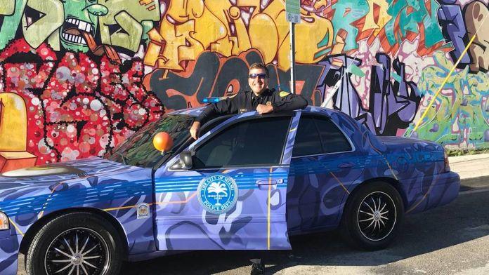 Il Dipartimento di Polizia di Miami ingaggia uno street artist per decorare le volanti