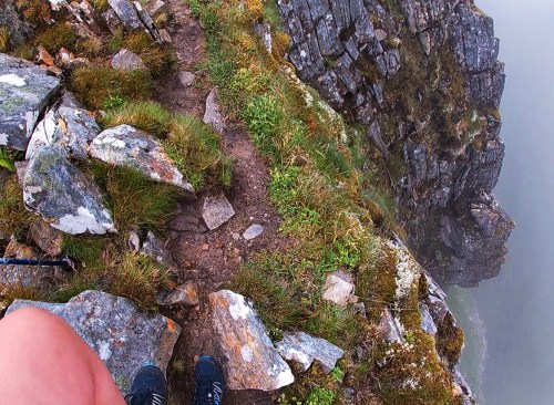 Narrow ridge on way to Aonach Air Chrith