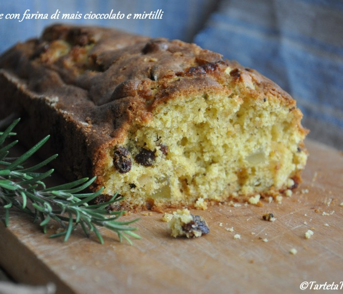 Plumcake con farina di mais cioccolato e mirtilli