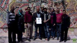 أكبر لوحة جدارية مصنوعة من النفايات في دمشق تدخل موسوعة غينيس