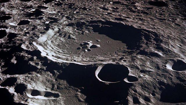 هل فعلا الماء موجود على سطح القمر؟