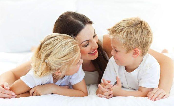 من هي الزوجة التي تهتم لأطفالها في المقدمة؟