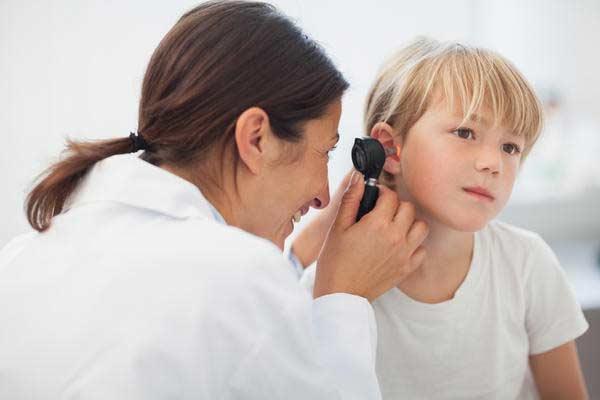 التهاب الأذن الوسطى ، عدوى الأذن الوسطى otitis media