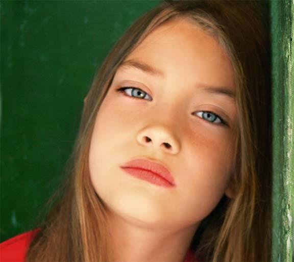هل صحيح أن لون عينيك يكشف عن شخصيتك