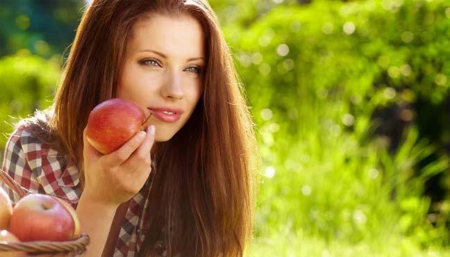 الغذاء الجيد عنصر أساسي لجمال البشرة وشبابها