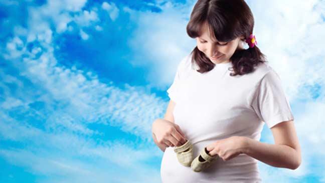 علماء يؤكدون استعداد النساء المعاصرات للإنجاب في سن أصغر